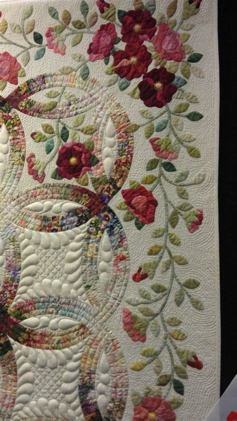 Wedding ring quilt close up, QuiltWest 2014   Perth (Australia), photo by Rhonda Bracey   Quilts