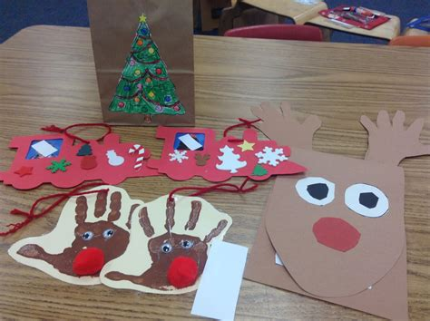 dr clements kindergarten students creating christmas