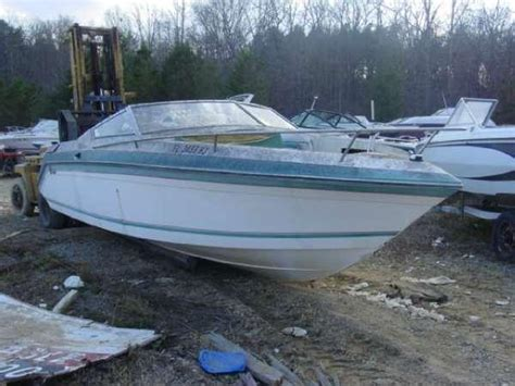 Bowrider Boats With Cabin by 1992 Wellcraft 232 Eclipse Bowrider Cuddy Cabin Volvo