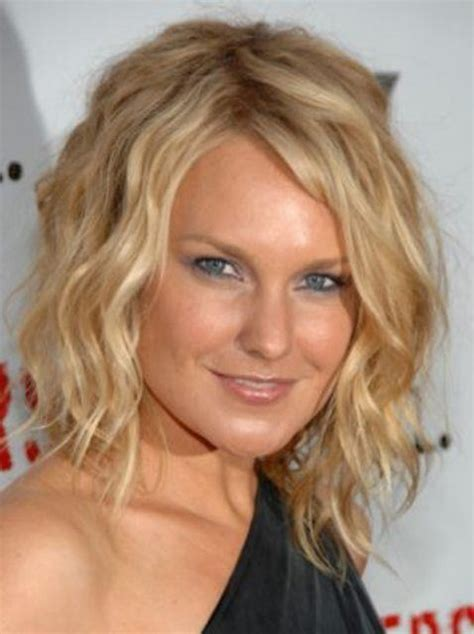 short haircusts for fine sllightly wavy hair most endearing hairstyles for fine curly hair fave