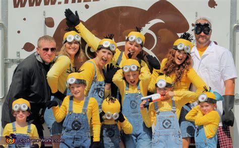 simple fun group costume ideas   movies