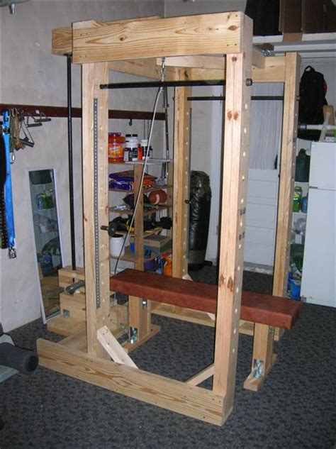Diy Power Rack by Power Rack Made Out Of Wood And Pipe