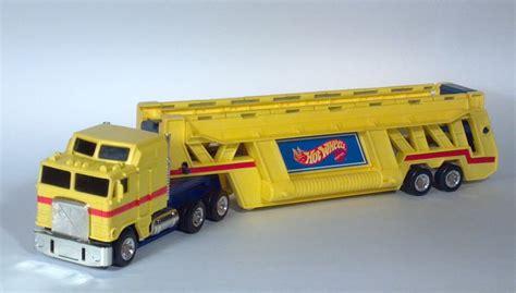 Wheels Truk Hauler Kuning 1986 wheels semi truck trailer auto transporter car