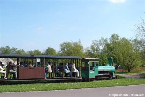 Britzer Garten Rotkopfweg by Parque Britzer Garten