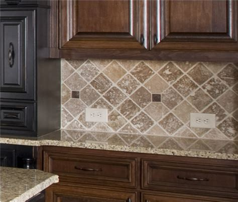 Kitchen Tile Backsplashes This Kitchen Backsplash Uses