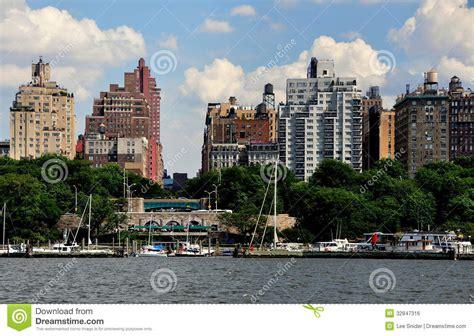u boat manhattan nyc upper west side skyline and riverside park editorial