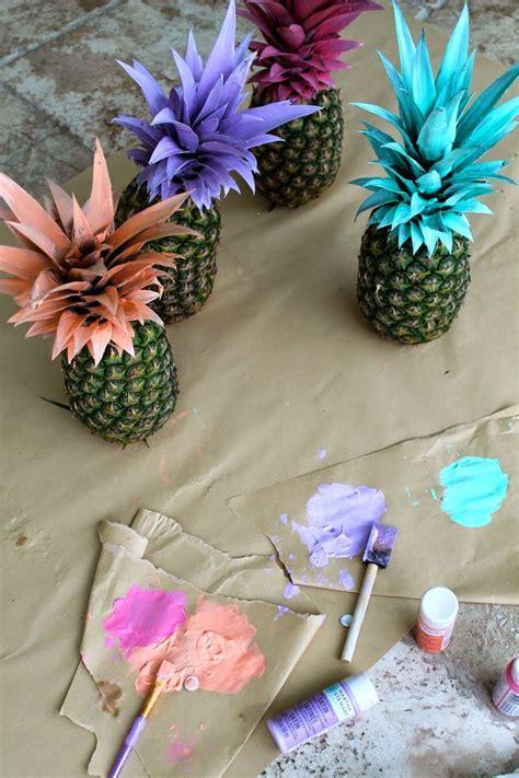 diy corona de pinas de pinosjpg m 225 s de 25 ideas fant 225 sticas sobre pi 241 as pintadas en