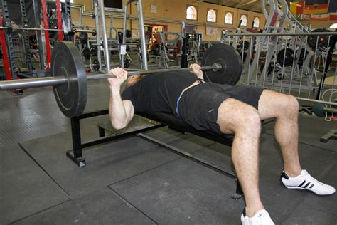 how to get your bench press max up how to get your bench press max up 28 images 5 tips