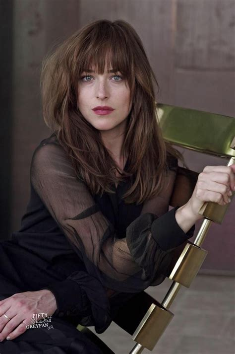 Dakota Johnson Hair Color   Hair Colar And Cut Style