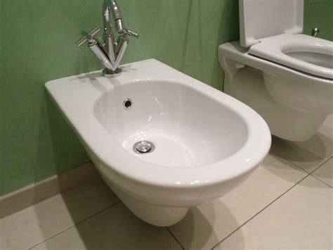 Bidet In Use by How To Use A Bidet