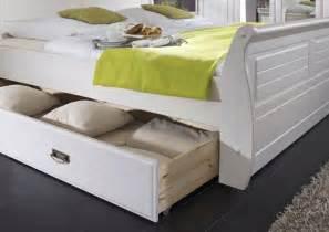 bett weiß schubladen bettgestell mit bettkasten einzelbett 100x200 wei 223 gelaugt