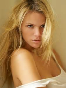 brooklyn decker the hottest girl on earth love that red brooklyn decker hot at eric fischer photoshoot 01 gotceleb
