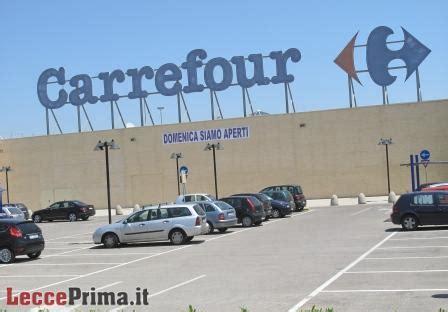 centro commerciale i giardini sole centro commerciale ex carrefour inaugura e licenzia 70