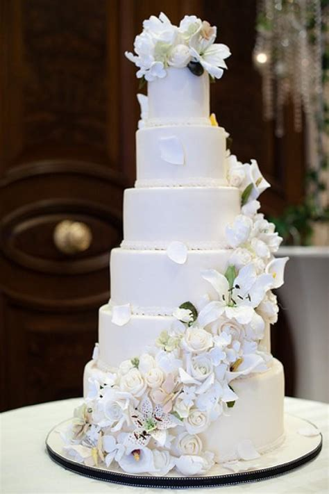Hochzeitstorte 4 Stöckig Preis by 6 Tier Wedding Cake With Sugar Flower Cascade 1987963