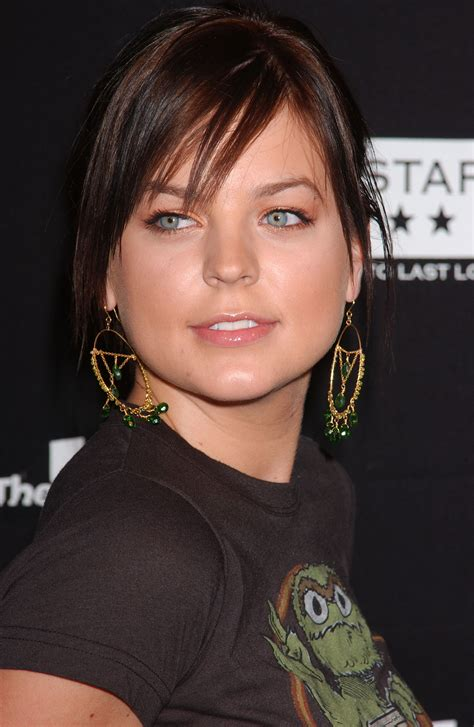 kristen storms who was first known for her role as zenon wow kirsten storms so different as a brunette digging it