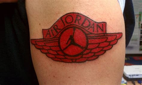 tattoo logo jordan pin pin michael jordan wings lilzeu tattoo de on pinterest
