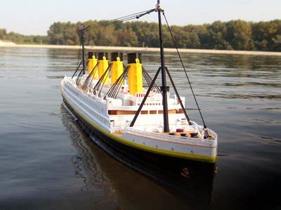 titanic boat in water rc rms titanic 1 325 r c boat rc ship ready to run rtr