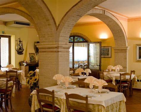 hotel ristorante casa rossa hotel ristorante casa rossa hotel ristorante alba adriatica