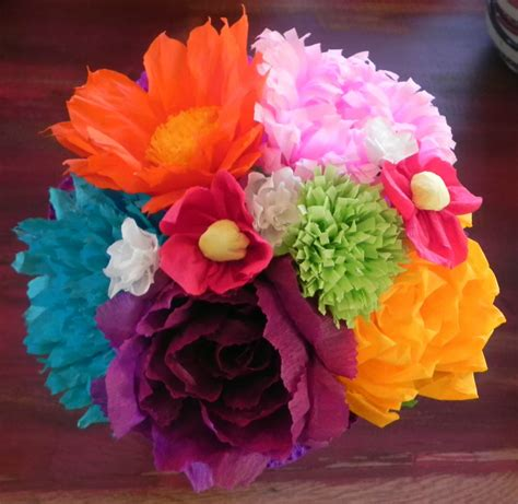 How To Make Mexican Flowers From Crepe Paper - large bouquet mexican crepe paper flowers multicolor