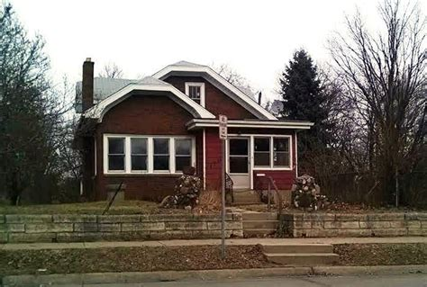 houses for sale in rockford il 2713 school st rockford illinois 61101 reo home details foreclosure homes free