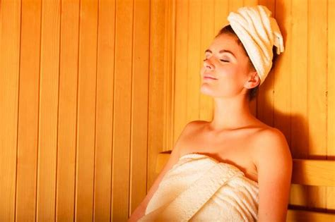 How Should You Stay In A Sauna To Detox by How To Use An Infrared Sauna How How Often