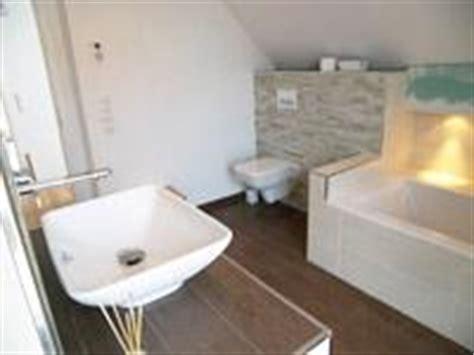 schamwand wc wc schamwand verputzt badewanne fliesenarbeiten 60 60