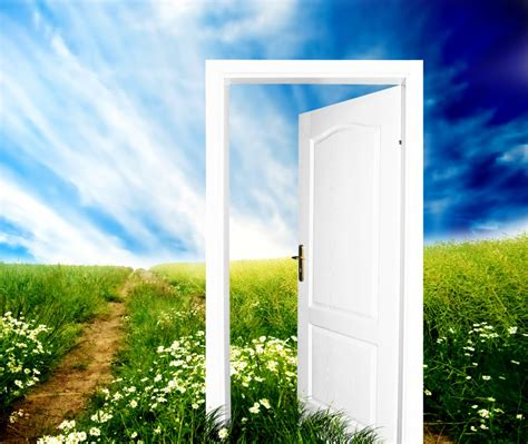 open the door to a new future3 squares coaching sue