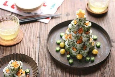 sushi christmas tree love    yum