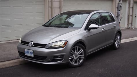 review  volkswagen golf  highline canadian auto review