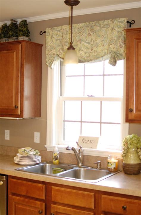 Kitchen Valance by How To Make Easy Curtainsliving Rich On Less