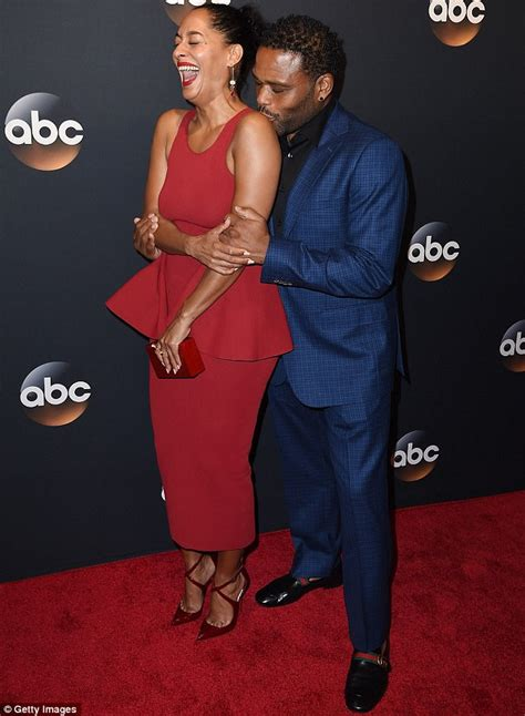 tracee ellis ross and husband anthony anderson smooches tracee ellis ross in nyc daily