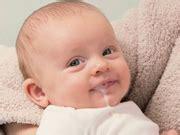 alimentazione durante l allattamento per evitare coliche piccoli problemi neonato bambinopoli