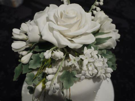 sugar flowers on wedding cake cakecentral
