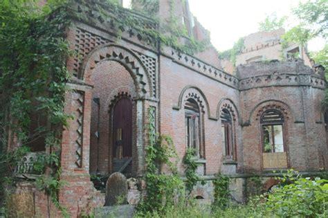 elizabeth schermerhorn jones sold new york mansion of keeping up with the joneses