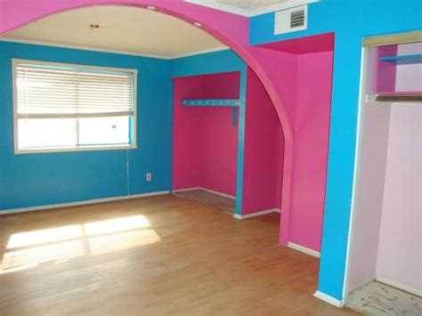 hot colors for bedrooms obnoxious paint colors ugly house photos