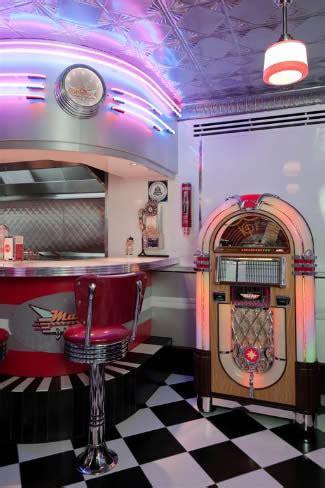 retro garage custom bar diner booths bar stools jukebox