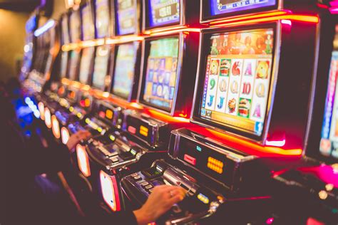 Casino   Seven Feathers Casino Resort