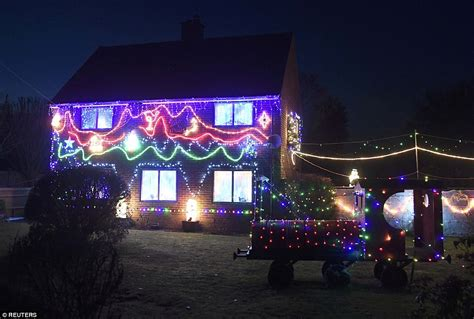 Westfield Neighbours Deck Out Their Homes In Thousands Of Westfield Lights