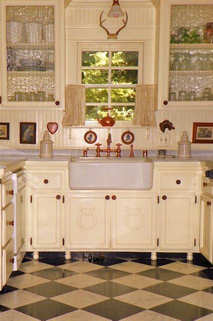 wainscot backsplash kitchen dr pinterest charming country kitchen love the wainscoting backsplash