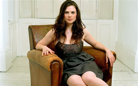 hay le hayley atwell photo gallery from united