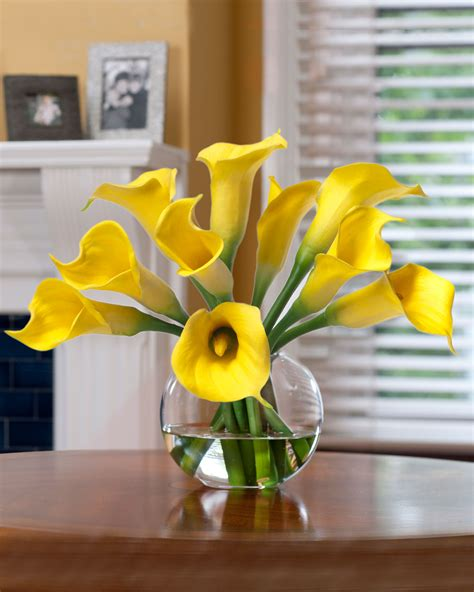 buy centerpieces buy calla silk flower centerpiece at officescapesdirect
