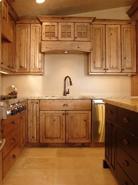 knotty wood kitchen cabinets 1000 ideas about knotty alder kitchen on pinterest