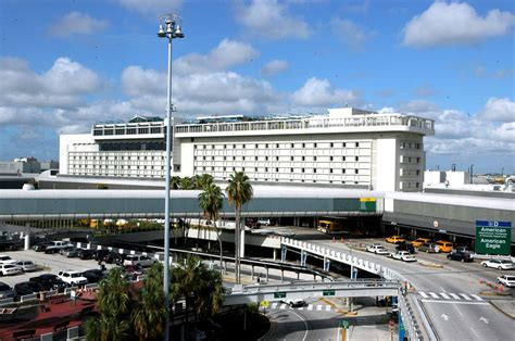 miami airport to images miami international airport hotel 2017 room prices deals