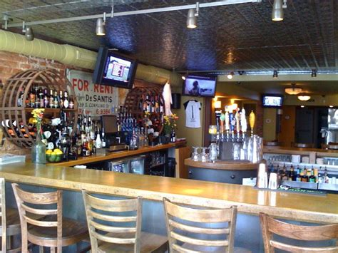 top bars in baltimore best bars to watch college football in baltimore 171 cbs