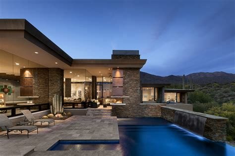 modern home with mountain views in scottsdale arizona