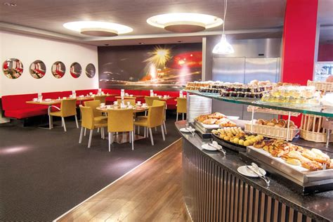 buffet de cuisine overview of the generous buffet bar of the starling caf at