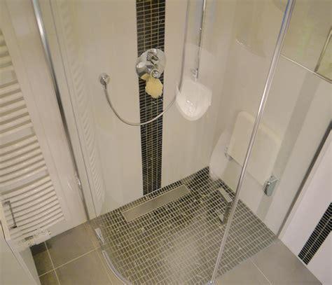 badezimmer fliesen grau weiß mosaik idee fu 223 boden