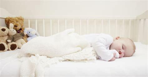 chambre de dormir pourquoi un b 233 b 233 devrait dormir dans la chambre de ses parents