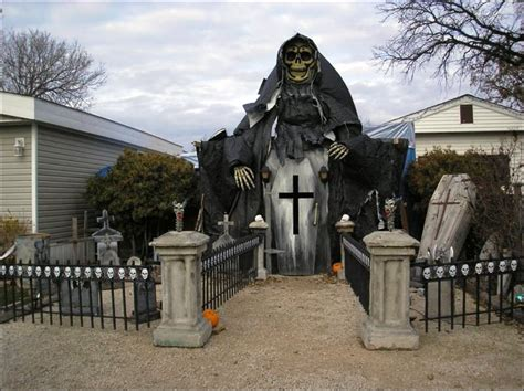scary halloween yard displays outdoor halloween decorations frontgate execid com