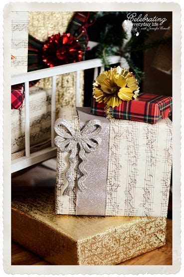 gift wrapping inspiration and old fashioned christmas decor